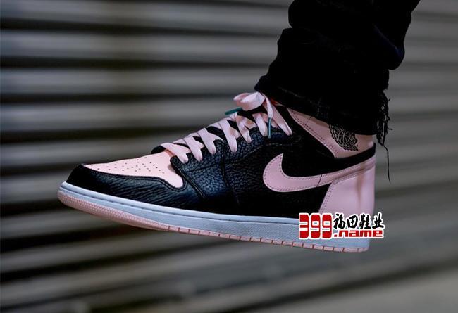 今早官网突击发售!黑粉 Air Jordan 1 你抢到了吗?